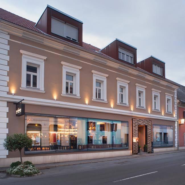 Renovacija staromeščanskega stanovanja in izbira novih oken in vrat